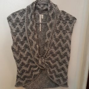 Rachel Roy grey sleeveless top